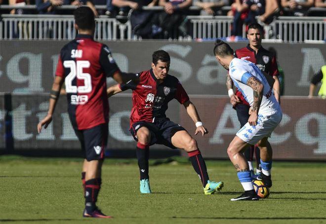 Serie A, Napoli-Cagliari 3-1: azzurri temporaneamente al secondo posto