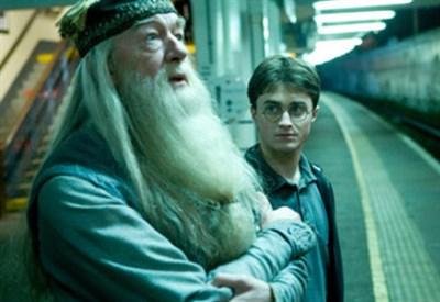 BLOOPERS/ La birra, la bacchetta e gli errori nella saga di Harry Potter