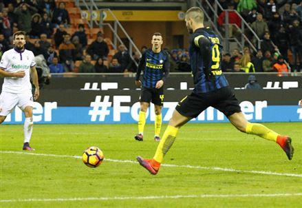 Diretta / Inter Fiorentina (risultato finale 3-0) info streaming video e diretta tv: applausi per Spalletti