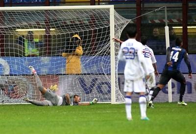Un'immagine di Inter-Sampdoria, decima giornata: 3-2 per i nerazzurri (Infophoto)