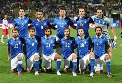 L'Italia scesa in campo contro Malta (Infophoto)