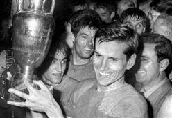 Verso Real Madrid-Liverpool/ Quell'Italia in vetta all'Europa nel Beautiful '68