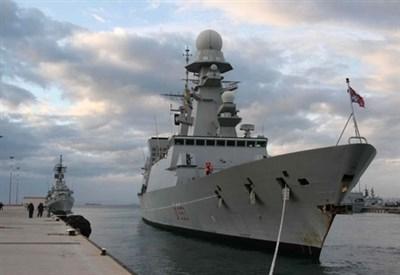 Una nave della Marina italiana (Infophoto)