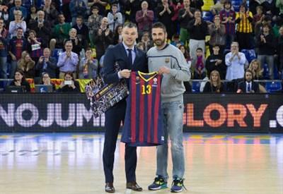 (dall'account facebook.com/FCBbasket)