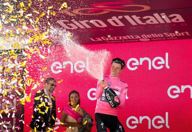 Il colombiano Gaviria fa il bis al Giro