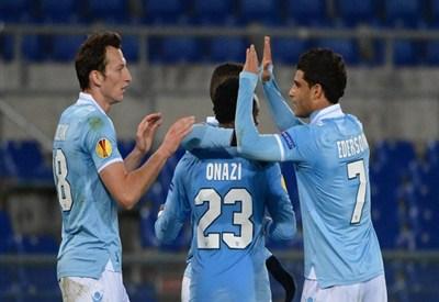 La Lazio festeggia il 3-1 allo Stoccarda (Infophoto)