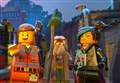BLOOPERS/ La colla di Lego Movie, le luci di Toy Story e gli errori nei film con i giocattoli