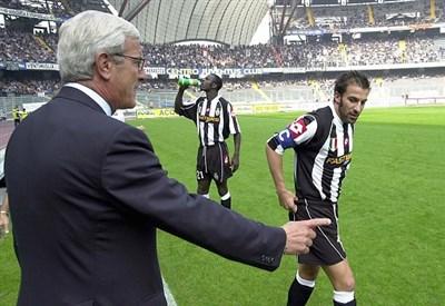 Marcello Lippi con Alessandro Del Piero; sullo sfondo Lilian Thuram (Infophoto)