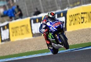 MOTOGP/ Video highlights del Gran Premio di Spagna 2015 (Jerez de la Frontera): vince Jorge Lorenzo. Valentino Rossi terzo: podio numero 200