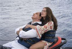 LORO 1/ Il sottobosco più importante di Berlusconi nel film di Sorrentino