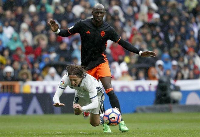 Mercato Inter, ecco due alternative ad Eliaquim Mangala