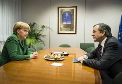 Angela Merkel e Antonis Samaras (Infophoto)