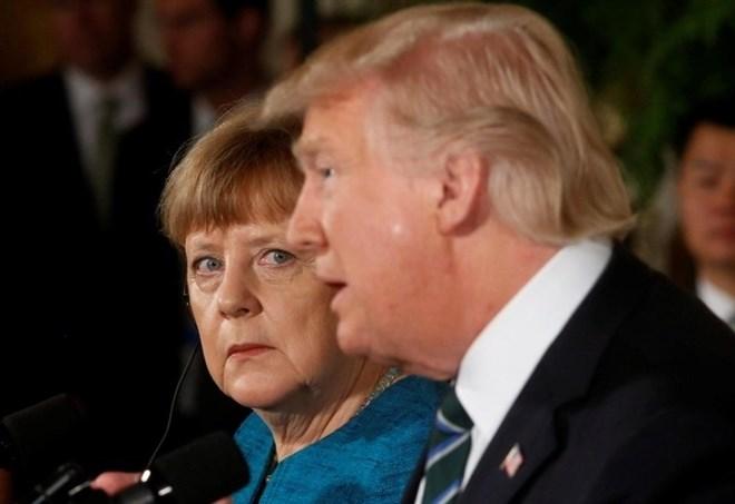 G-7, Donald Trump e Angela Merkel (Lapresse)