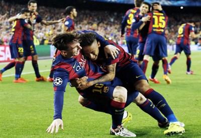 Il Barcellona festeggia il 3-0 al Bayern Monaco (Infophoto)