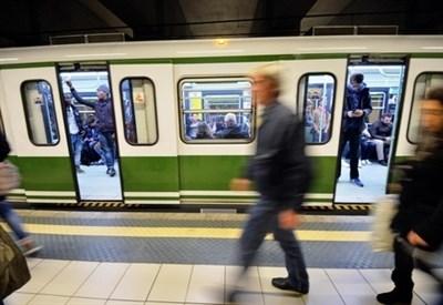 Allarme bomba Metro Milano (Foto: LaPresse)