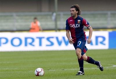 Omar Milanetto ai tempi del Genoa (Infophoto)