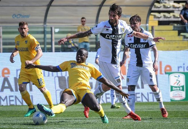 In Serie B Frosinone, Parma e Palermo a caccia della promozione (Foto LaPresse)