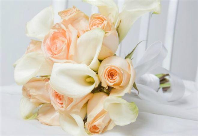 Muore dopo il lancio del bouquet (web)