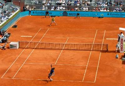 Rafael Nadal in campo a Madrid contro Jarkko Nieminen
