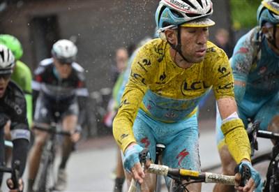 Vincenzo Nibali in azione sul pavé l'anno scorso
