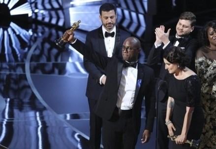 VINCITORI OSCAR 2017/ Moonlight, La La land e i premi di protesta di Hollywood