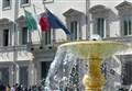 DIETRO LE QUINTE/ La manovra di Gentiloni rimescola le carte di Berlusconi e Renzi