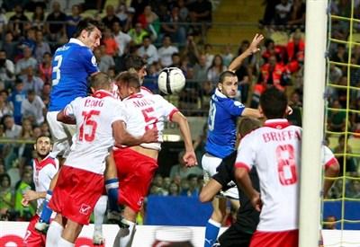 Federico Peluso segna nell'andata di Modena (Infophoto)