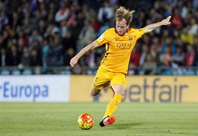 Messi come Cruyff, il rigore assist che fa segnare Suarez