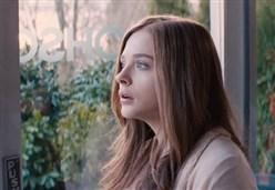 RESTA ANCHE DOMANI/ Un film che fa ricordare per cosa val la pena lottare