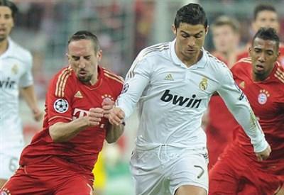 Franck Ribery, 30 anni, contro  Cristiano Ronaldo, 28 (Infophoto)