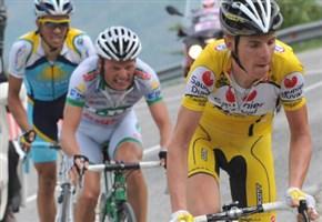 Riccardo Riccò/ Ciclismo news, caduta sul Mont Ventoux: le foto del corridore dopo l'incidente