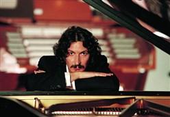 SERGIO CAMMARIERE/ L'intervista: Mano nella mano, una immersione nella musica