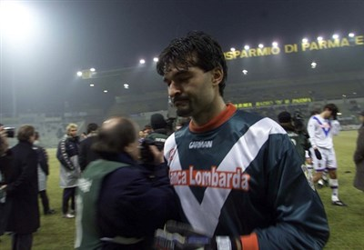 Pavel Srnicek ai tempi del Brescia (Infophoto)
