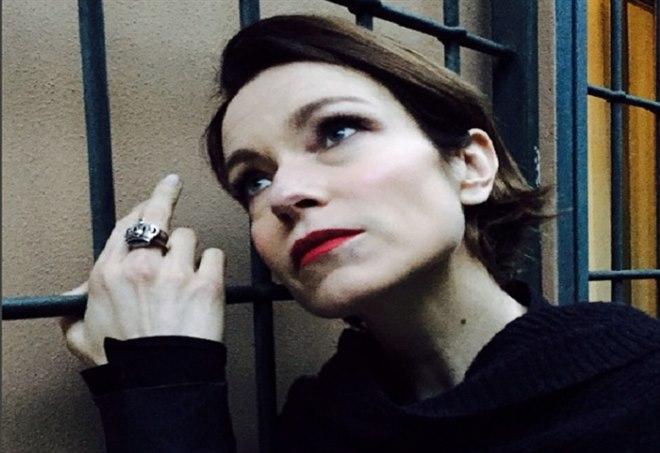 Stefania Rocca al Maurizio Costanzo show