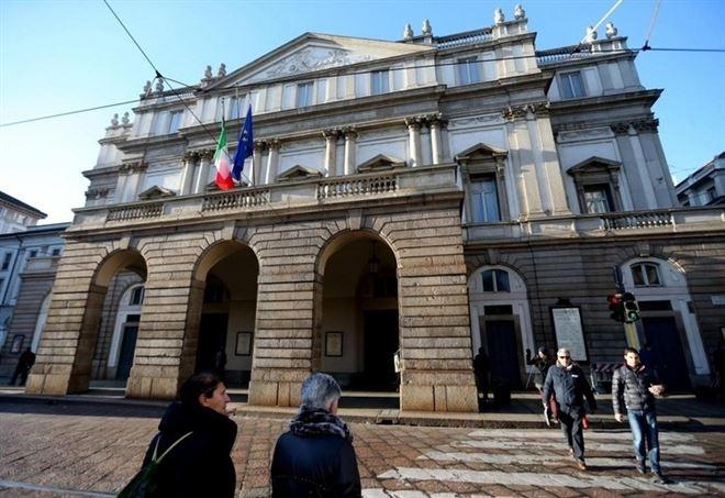 Il Teatro alla Scala di Milano (Lapresse)