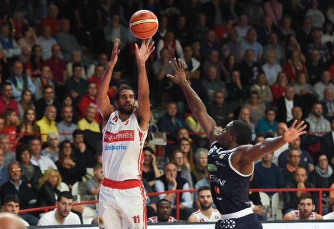 Diretta Sassari Varese, basket Serie A1 2^ giornata (Foto LaPresse)