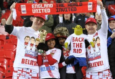 Grande spettacolo sugli spalti di Wembley (Infophoto)