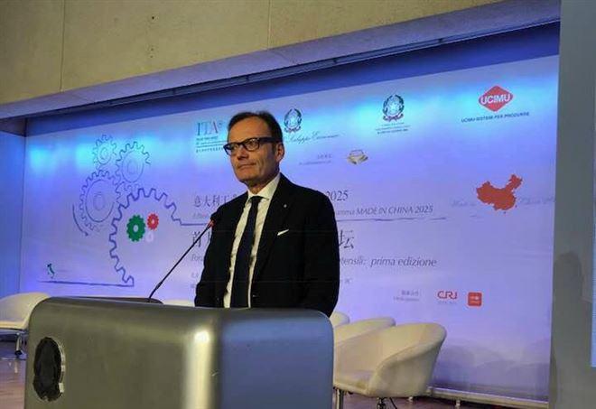 Il presidente Ucimu, Massimo, Carboniero al Forum di Pechino