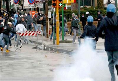 Contestazione al limite del violento a Marassi (INFOPHOTO)
