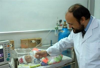 Carlo Urbani all'ospedale pediatrico di Hanoi (Vietnam)