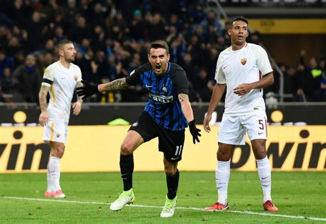 Matias Vecino esulta per il gol in Inter Roma (Foto LaPresse)
