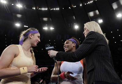 Azarenka e Williams durante un'esibizione a New York (Infophoto)