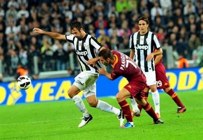 Mirko Vucinic contro la sua ex squadra (Infophoto)
