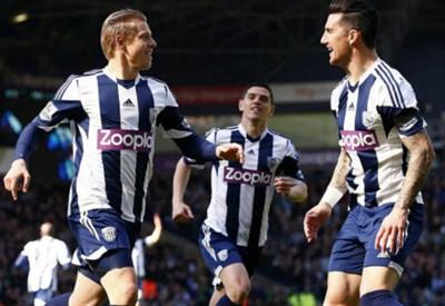 Matej Vydra festeggia un gol con il West Bromwich (Infophoto)