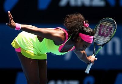 Serena Williams si inchina al pubblico australiano (da facebook.com/AustralianOpen)