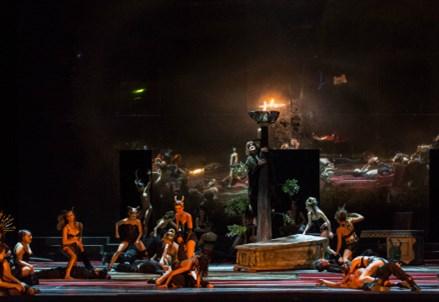 OPERA/ The Bassarids di Hans Werner Henze: smoking, felpe e dieci minuti di ovazioni