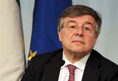 Il ministro Zanonato (InfoPhoto)