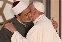 PAPA IN EGITTO/ Francesco: Dio non è il dio dei violenti