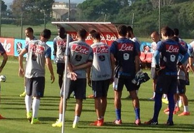 (dall'account Twitter ufficiale @sscnapoli)