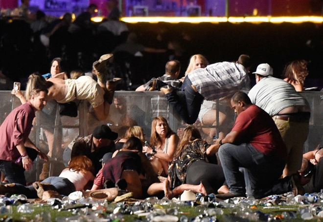 Las Vegas, spari a un concerto: morti e feriti